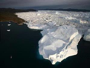 Es di Greenland yang kian menyusut karena pemanasan global